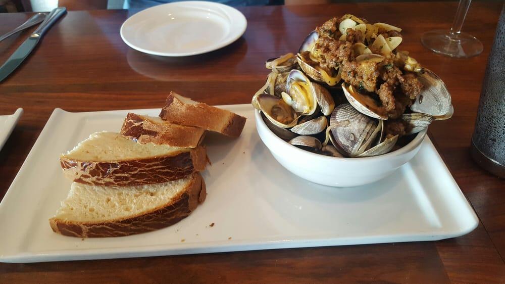Chorizo clams
