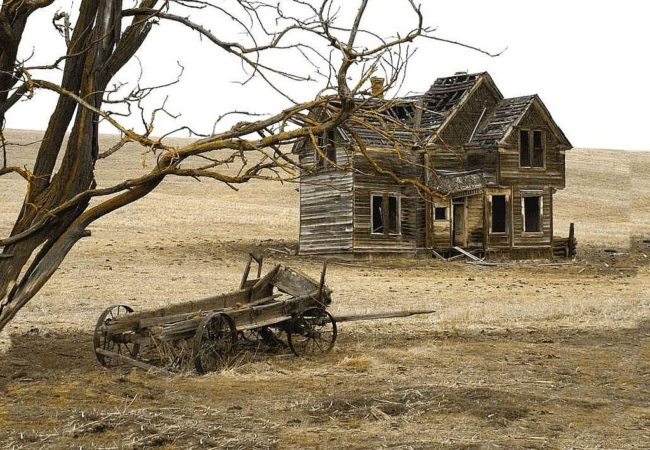 Want To Experience The Eeriness Of Oregon Ghost Towns?